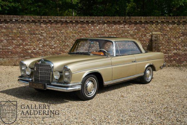 Mercedes-Benz W111 220SE Coupé 1963